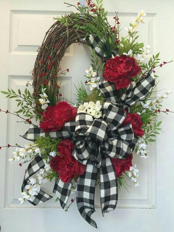 Red White And Black Wreaths Pinterest Coronas