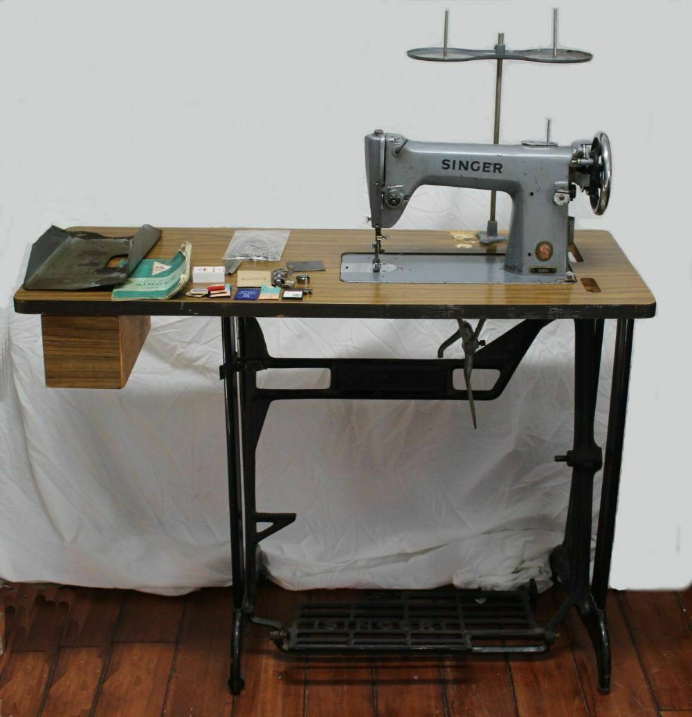 Vtg Industrial Singer Sewing Machine 188k1 Lockstitch W Table Servo Motor Access Ebay Sewing Table Singer Sewing Tables Antique Sewing Table