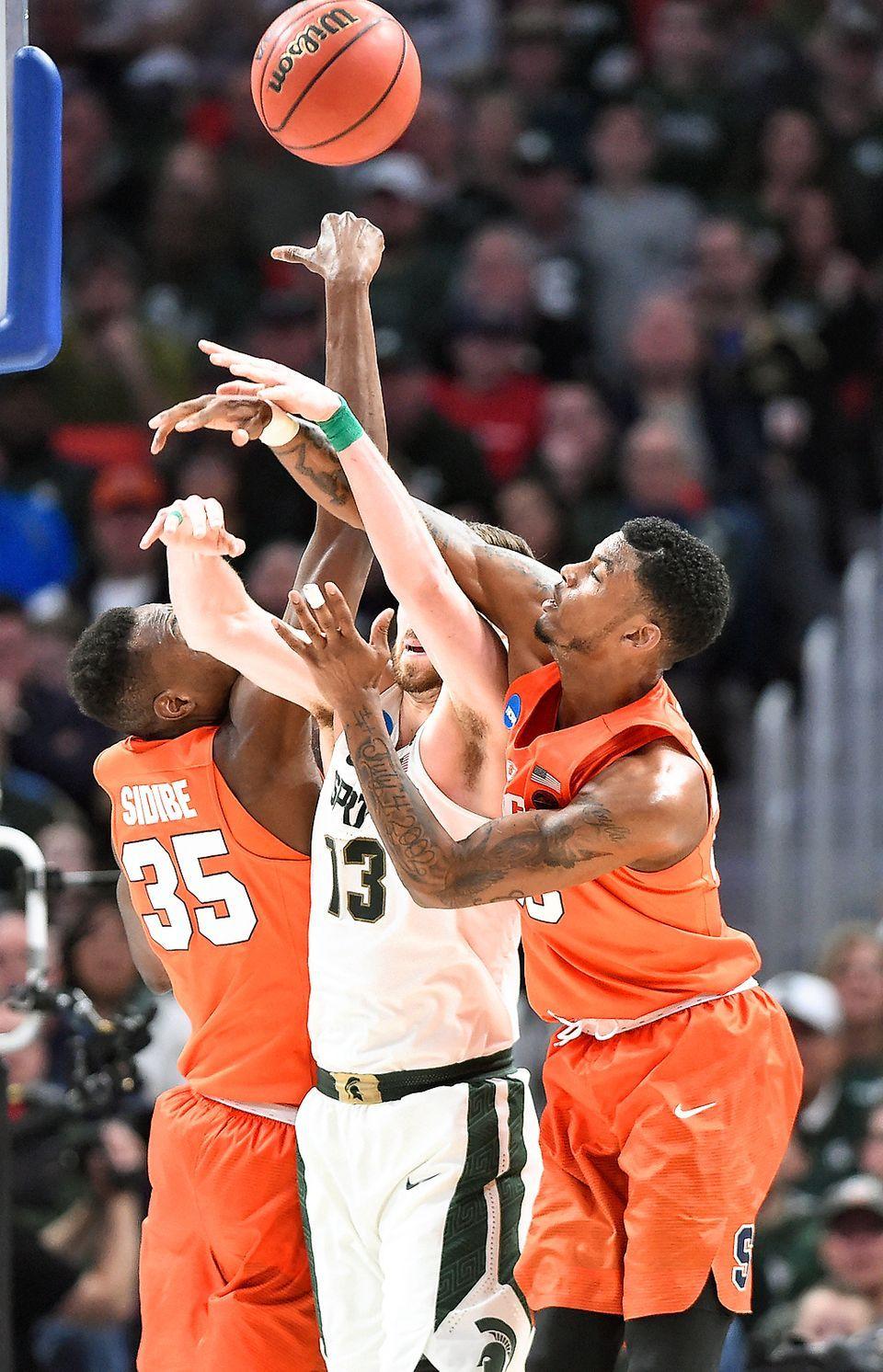 Syracuse University Men S Basketball Syracuse Com Basketball Players Basketball Knee Basketball Compression Pants