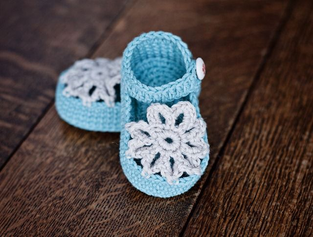 Mint Mary Janes - too cute
