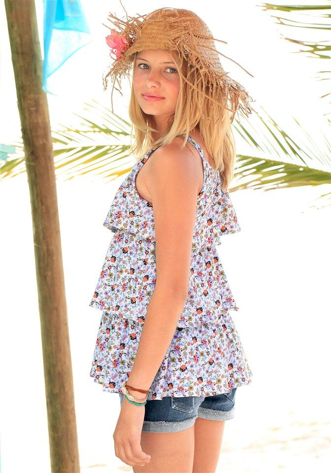 CFL Top für Mädchen Mit süßen Volants Ein absoluter Hingucker! Hochwertige Qualität aus reiner Baumwolle Eine coole Shorts rundet das Outfit ab