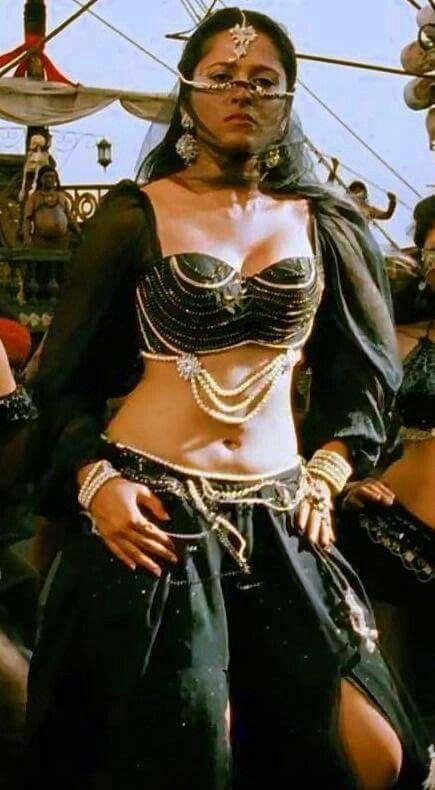 Anushka Shetty Hot Boobs And Belly