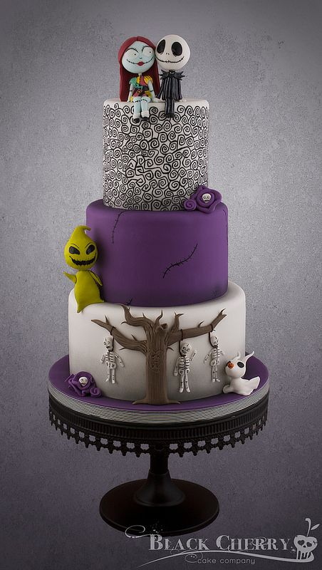Cute Nightmare before Christmas Wedding Cake Christmas wedding
