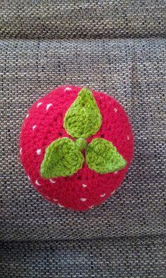 Kleine Amsel Erdbeermütze Häkeln Mütze Häkeln Pinterest