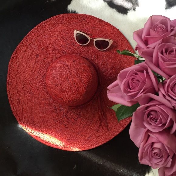 ❤️ gorgeous in Red The It Hat this Summmmmer ... Brand New, purchased from Milan ... Wide brimmed and Wonderful ❤️ ❤️ Accessories