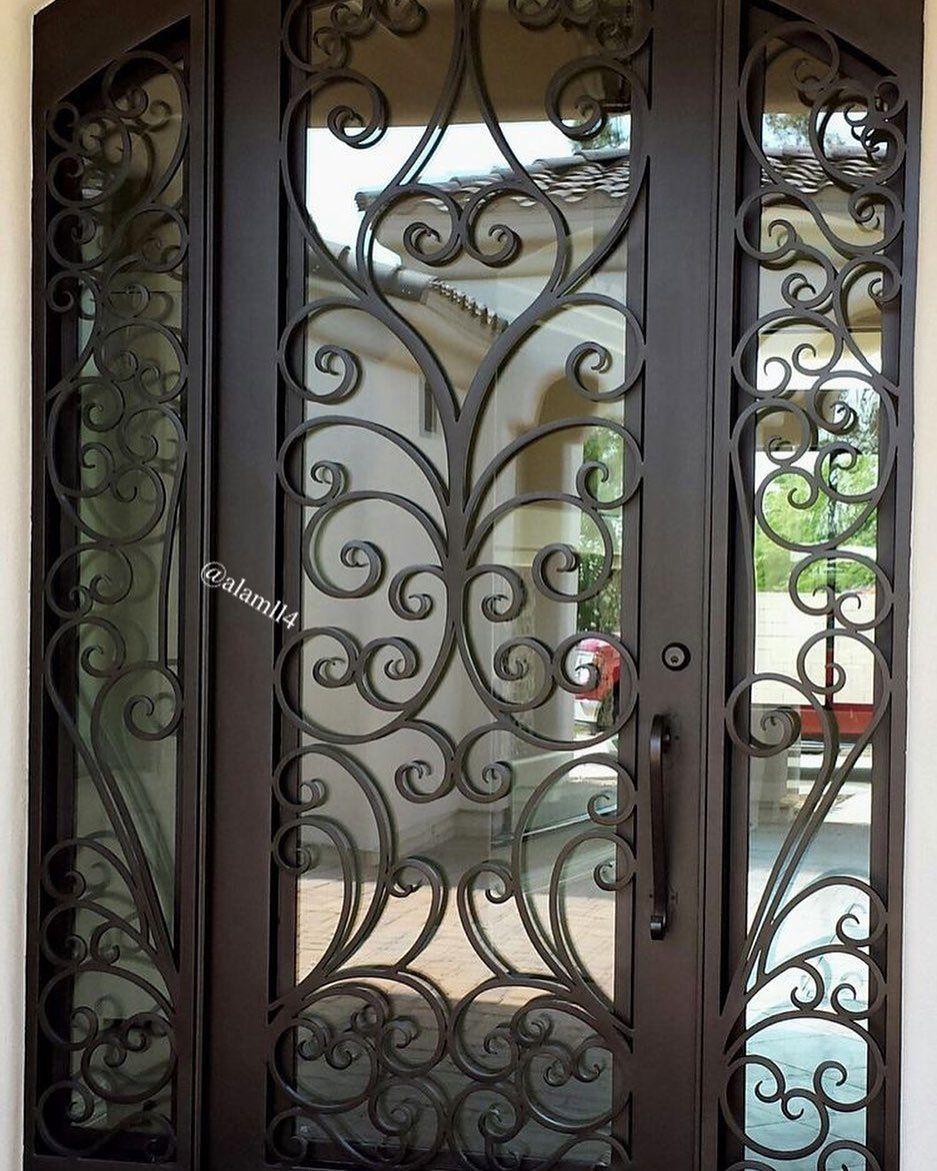 بناءا على الطلبات من متابعيني لصور ابواب داخليه وخارجية قص ليزر و خشب جمعت لكم بعض الصور وأن شا Wrought Iron Front Door Metal Doors Design Wrought Iron Doors