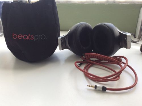 Beats by Dr. Dre Studio Wired Headband Headphones - Black https://t.co/r4ES2I03Yb https://t.co/hUYVxmAUgE