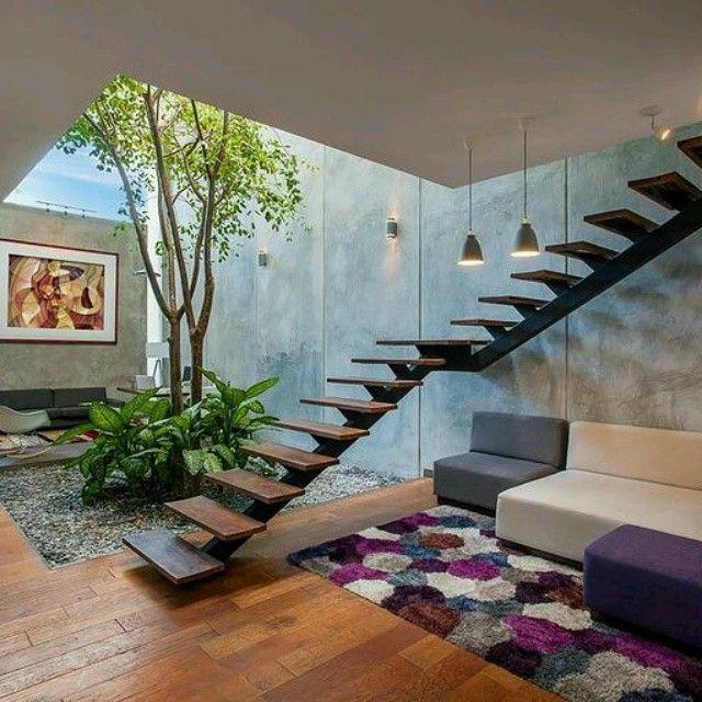 jardin interior con escaleras buscar con google