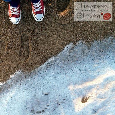 El sonido del #mar...♡♡ #buenosdias #relax #amanecer #playa #sinfiltro #nofilter #travel #chatasporelmundo #chxm #lechatnoir contacto@le-chat-noir.es https://www.facebook.com/pages/Le-Chat-Noir-Hecho-a-mano/113710975370328 www.le-chat-noir.es