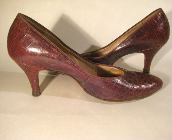 Pair of Vintage Croc Leather Shoes SALE by HazelRoberts on Etsy, $11.00