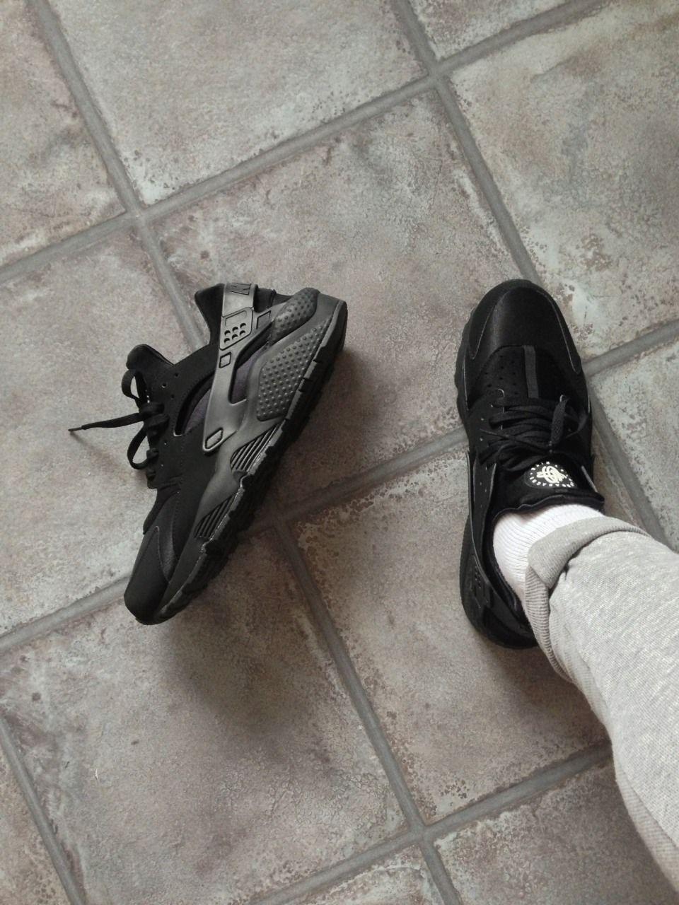 Instagram Com New Nike Shoes Nike Huarache Black Nike Sneakers