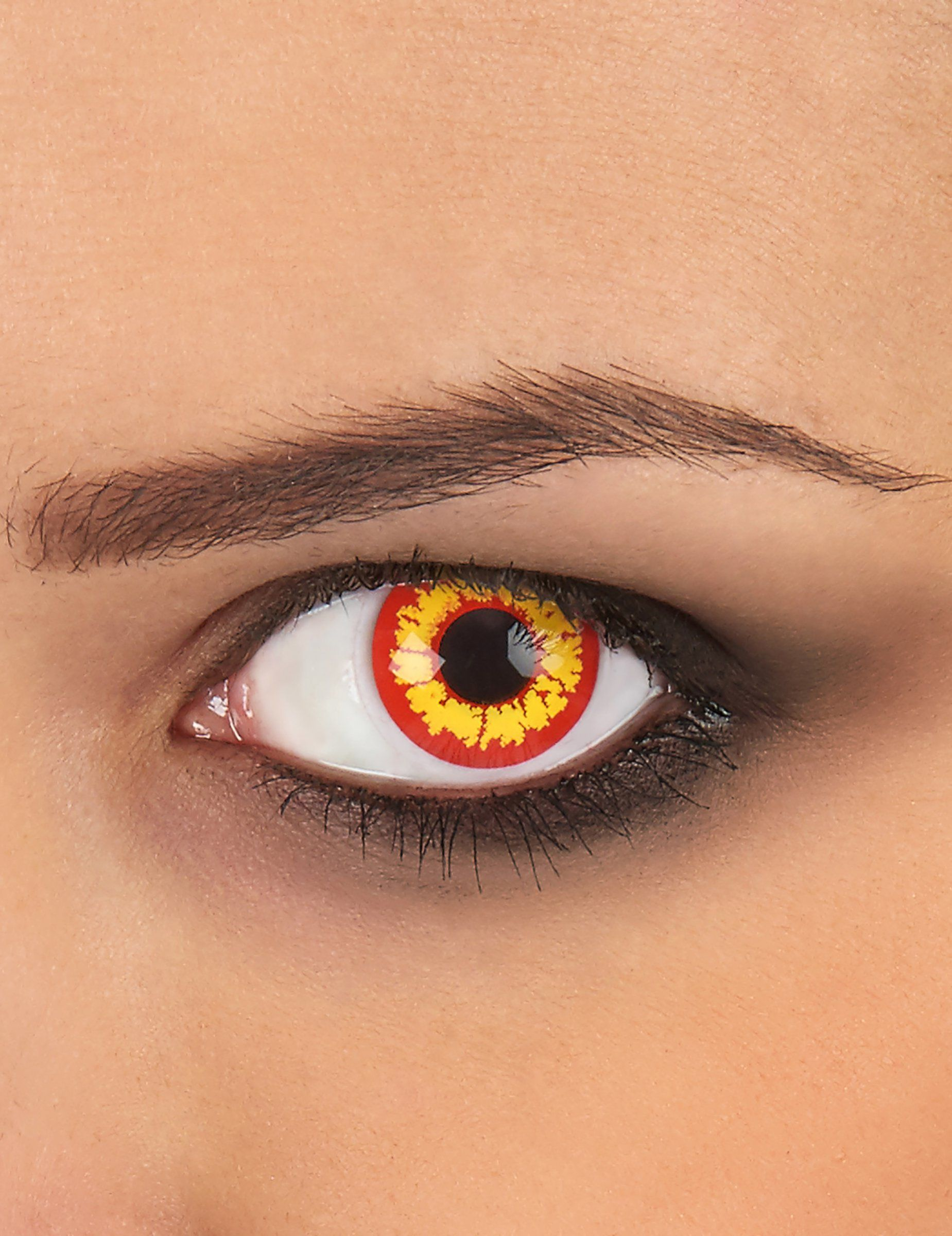 9c0f53f58e395 Estas lentes de contacto de color amarillo y rojo son perfectas para  completar tu disfaz de demonio en tu fiesta de Halloween.