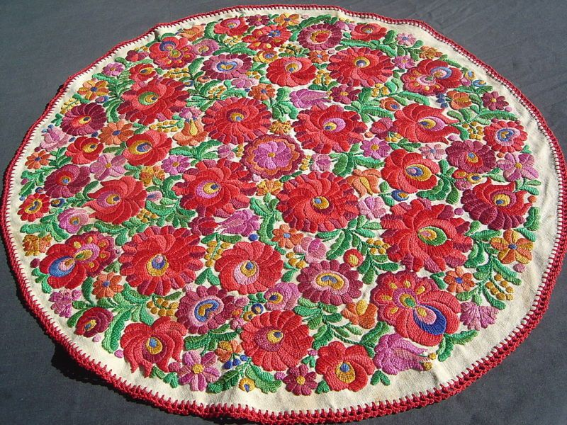 Hungarian tablecloth - matyo