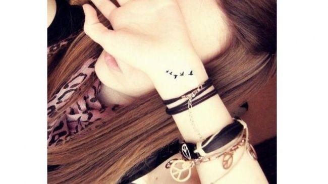 Słodkie Małe Tatuaże Dla Dziewczyn Wzory Na Palec