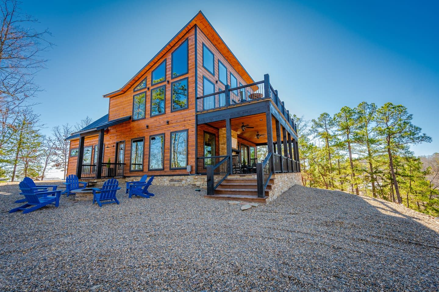Brand New Mountain Top Luxury Cabin Sleeps 20 Cabins For Rent In Broken Bow Oklahoma United States Luxury Cabin Cabin Broken Bow Oklahoma Cabins