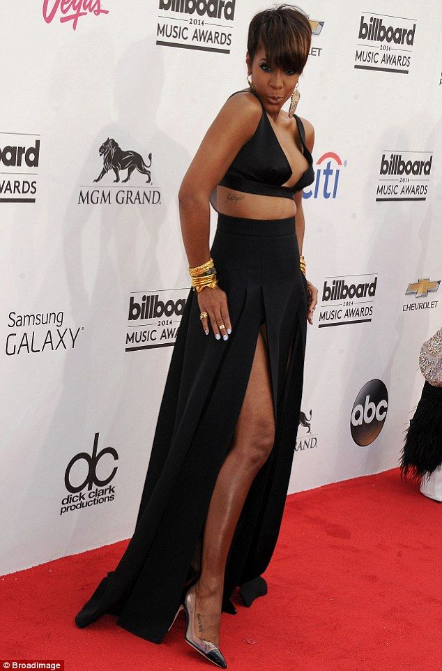 Kelly Rowland in TINY top and massive skirt at Billboard Music ...