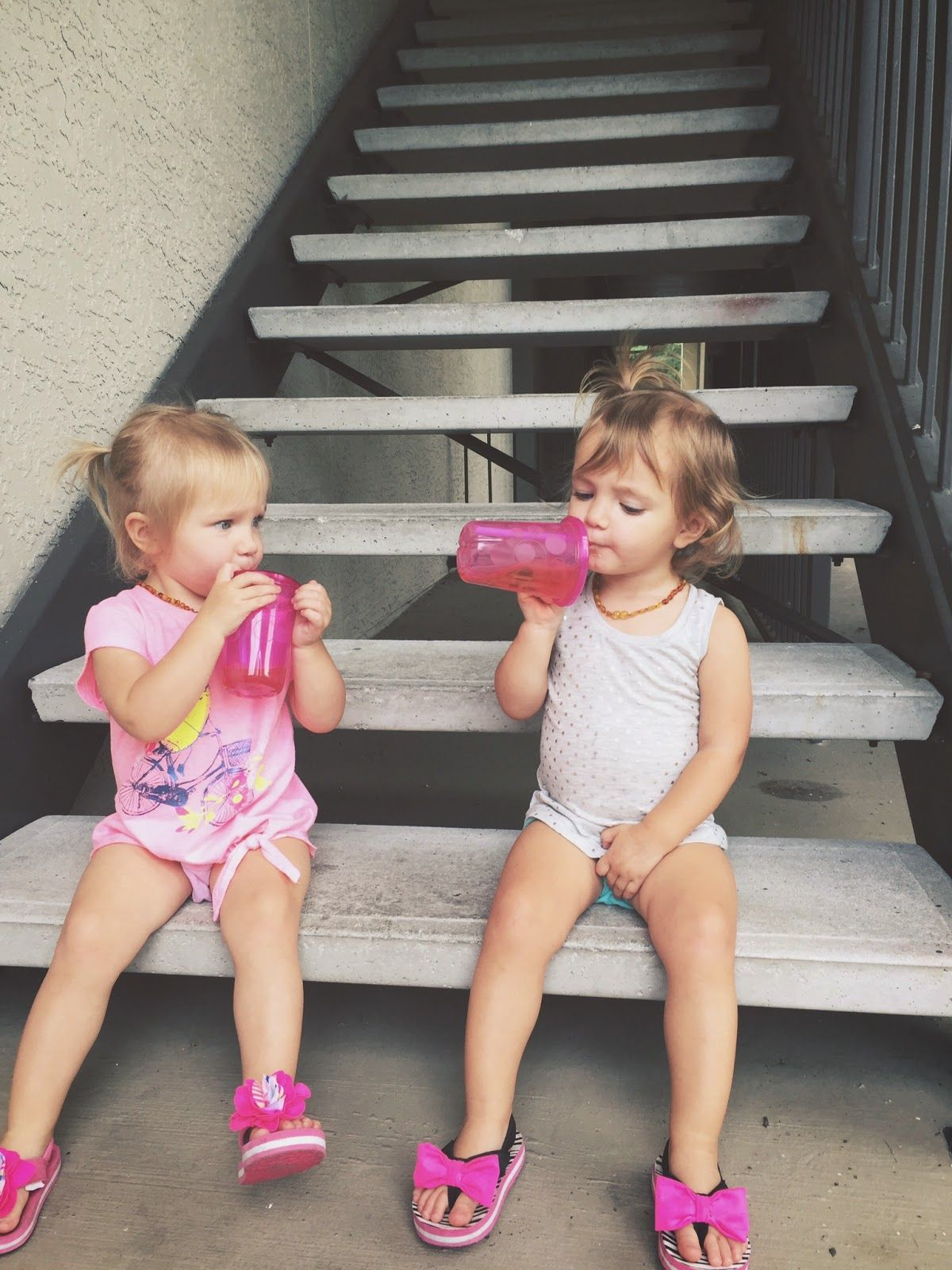 Allan Fray : Potty training girl twins