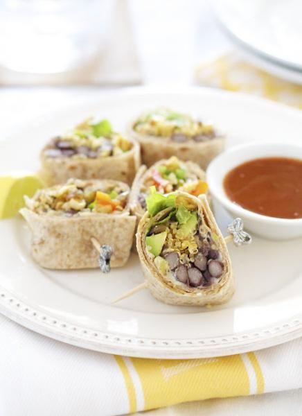 southwestern quinoa wrap #vegetarian via epicurean mom