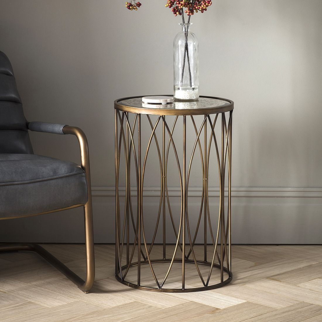Antique Gold Round Side Table With Vintage Mirror Top Primrose Plum Beistelltisch Metall Beistelltische Glas Tischplatte