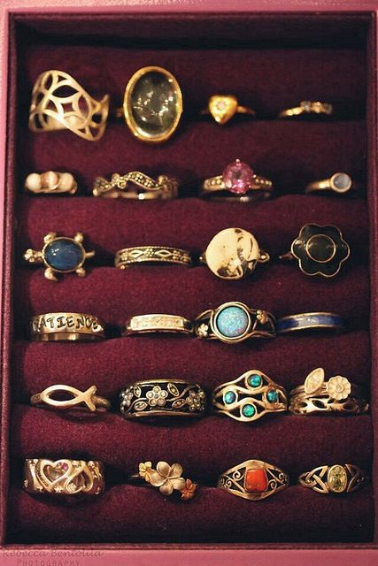 Vintage rings ( gotta start my collection)