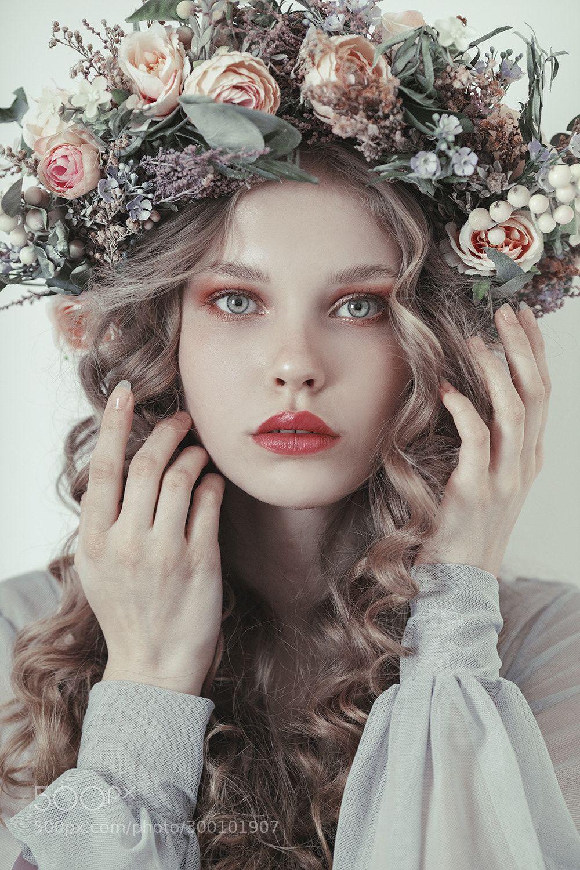 Soft Floral By Jovanarikalo Soft Floral Floral Crown Portrait Photography