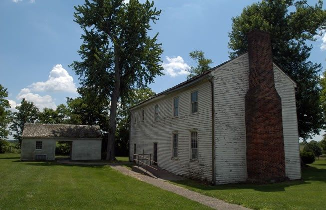 Lincoln Homestead State Park In Springfield, KY, Features The Home Of  Lincolnu0027s Mother, Plus A Golf Course And Replicas Of Pioneer Cabins And  Shops.