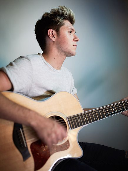 | ONE DIRECTION CONGRATULATE NIALL HORAN ON SOCIAL MEDIA! | http://www.boybands.co.uk