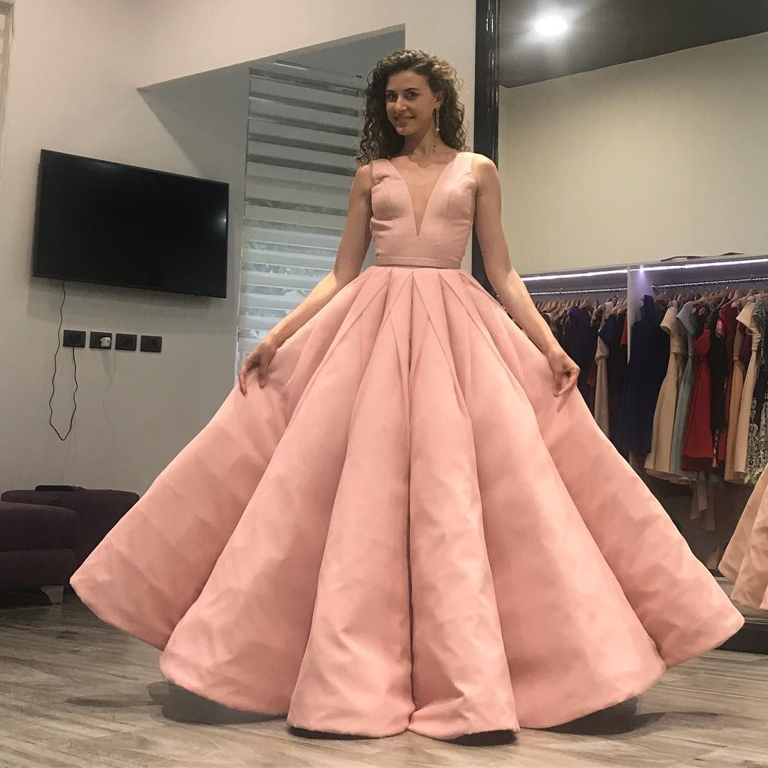 New Design Pink Ball Gown Prom Dresses 2018 Sexy Illusion Deep V neck  Pleated Satin Skirt Formal Party Gowns Elegant Backless Evening Dress 2df84dab3