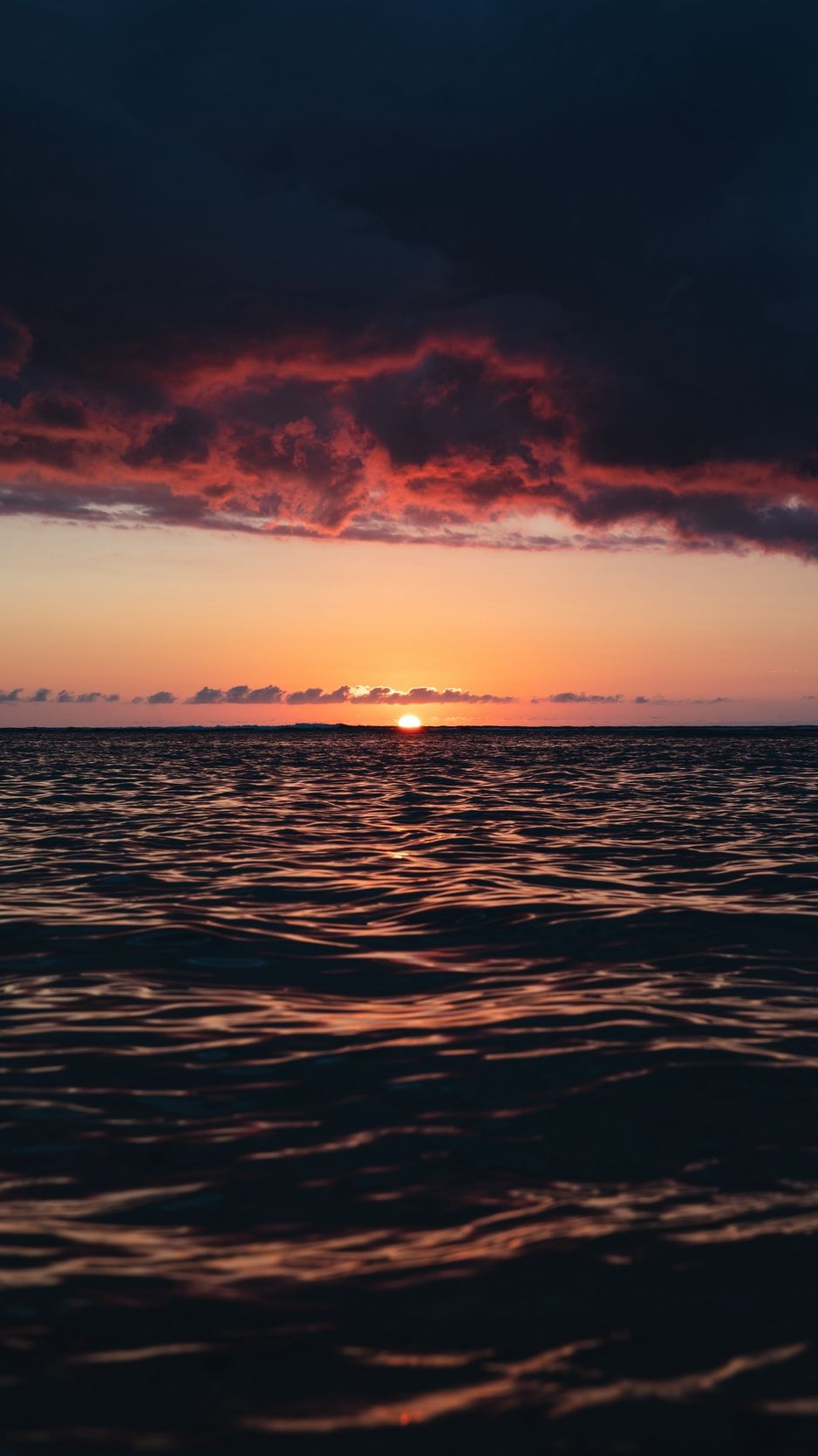 Download Wallpaper 938x1668 Horizon Sunset Sea Waves Sky Clouds Dark Island Reunion France Iphone Landscape Wallpaper Sunset Wallpaper Ocean Wallpaper