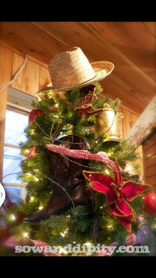 A simple straw hat for the top of your tree may just be what you\u0027re