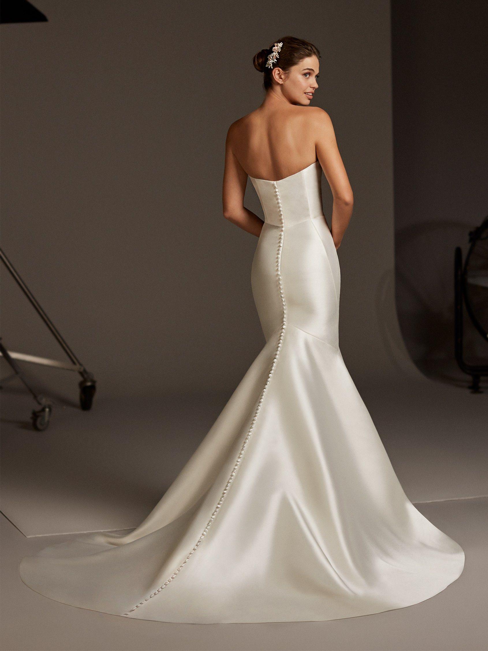 The Oberon Gown By Pronovias Mermaid Wedding Dress Bridal Dresses Pronovias Wedding Dress