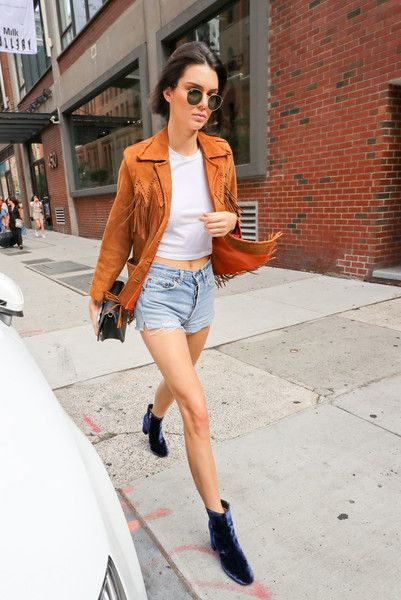 7da307dd859f Kendall Jenner Photos - Kendall Jenner Is Seen Out and About in New York -  Zimbio