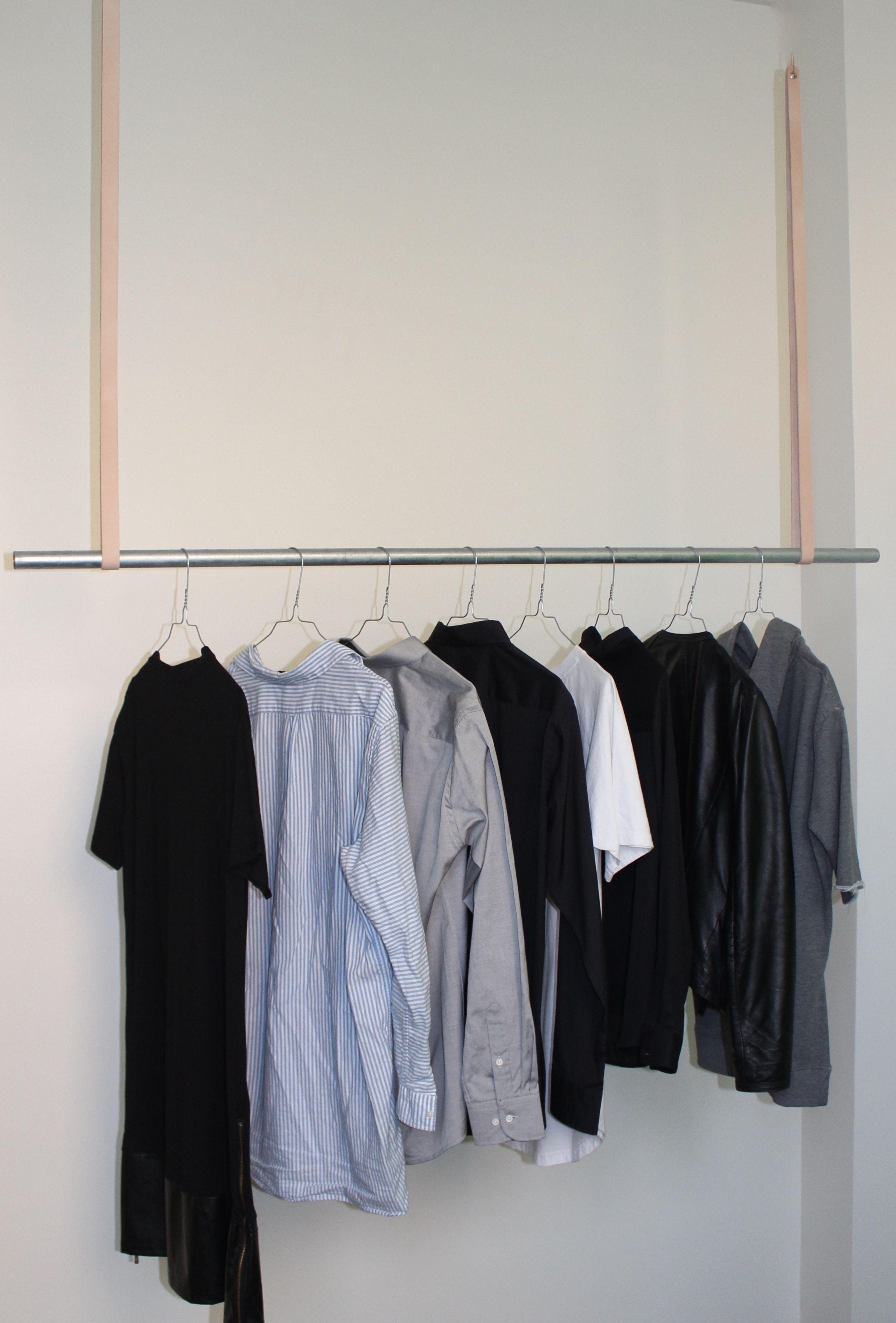 Vi kan kombinere lige netop det look og det design som du ønsker, vi har både træ- og metalstang og forskellige farver læder.