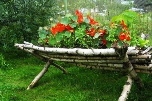 Jestivi Dragoljub U Vrtu Unique Gardens Vintage Garden Decor Garden Design