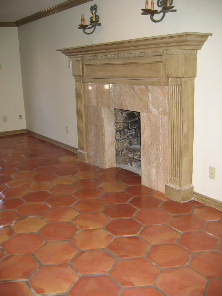 Hex saltillo floors with normal molding pavimento em for Pavimento ceramico hexagonal