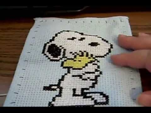 Cómo bordar un Snoopy en punto de cruz final