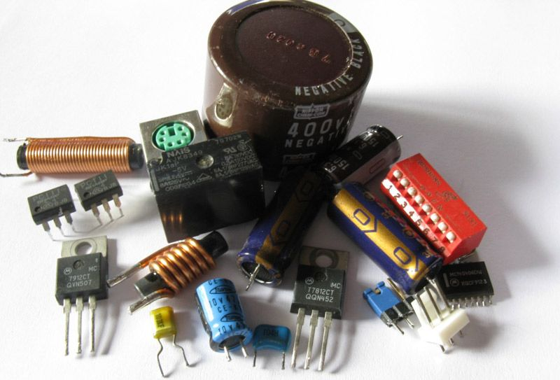 How to salvage components from old Circuit boards - Gadgetronicx