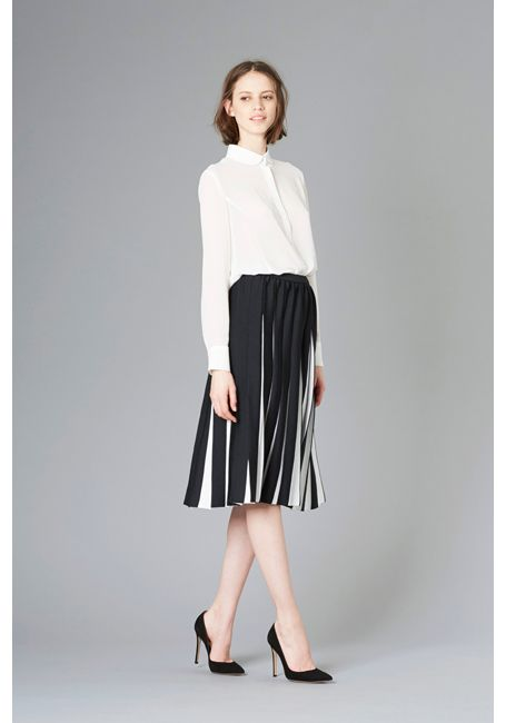 LE CIEL BLEU Spring color flared shirt and pleated skirt