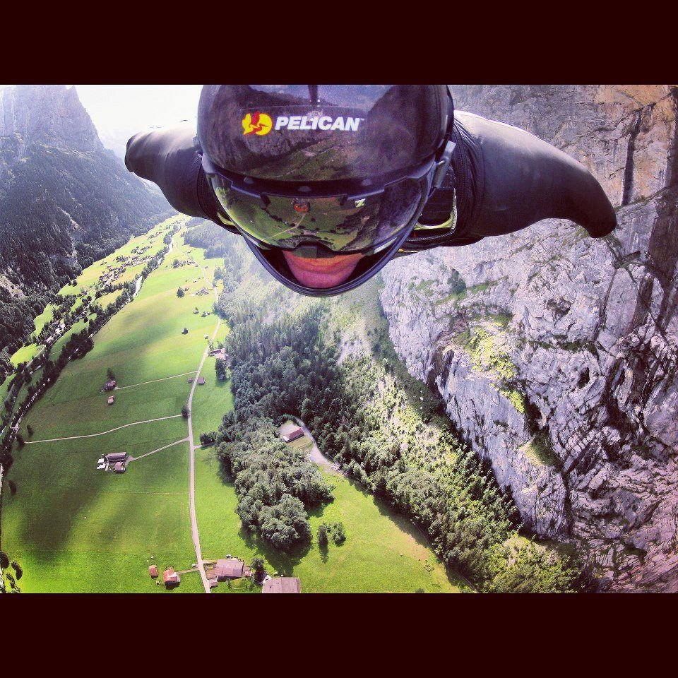 Jeb Corliss base jumping over the amazing Lauterbrunnen ...