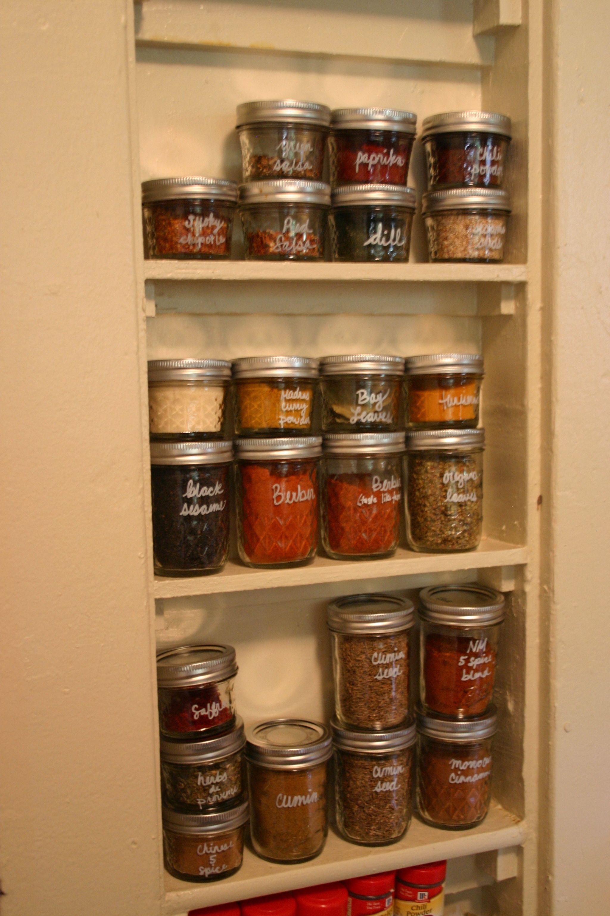 Mason Jars For Sugar Cereal Spices Pastas Use Contact Paper To Make The Lettering Vintage Loo Popular Kitchens Diy Kitchen Storage Small Kitchen Storage