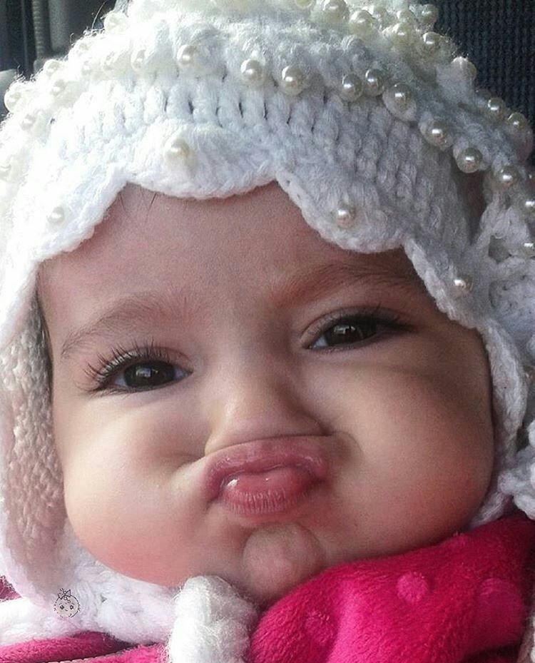 """""""Um beijo beeeeem gostoso pra você nessa manhã linda de sábado! É muita fofura pra uma foto só! Imagem apaixonante do ig @andia.ye.mama …"""""""
