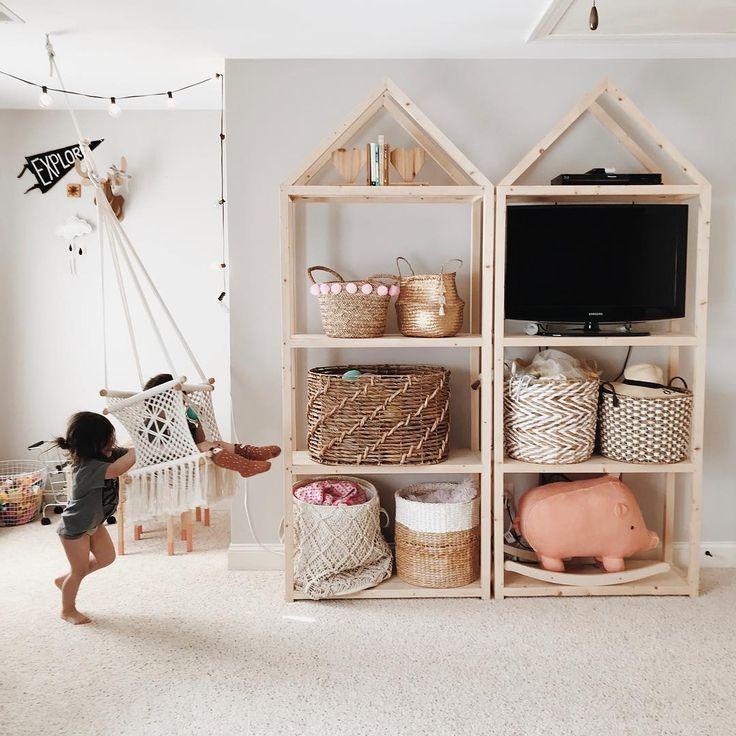 Lagerung von Kinderzimmern, offenen Schränken im