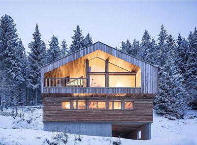 Portal de Diseño y Decoración: Un hermoso chalet tradicional en el exterior y mod...