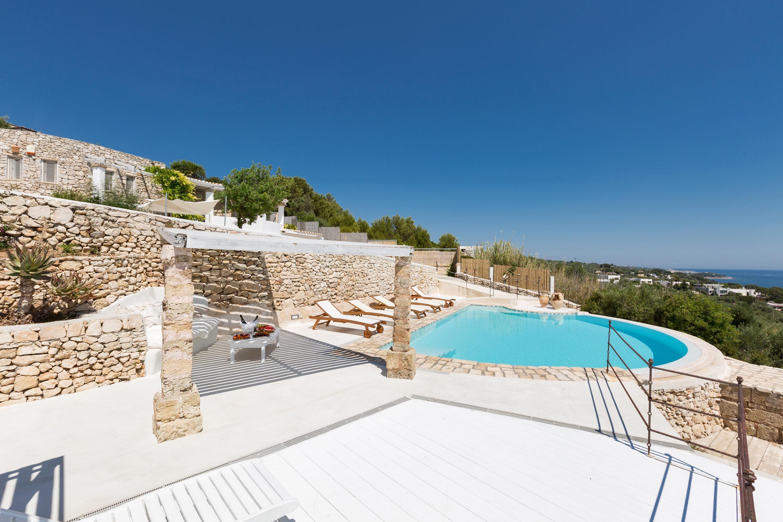 Foto Di Ville Lussuose villa valeria è una casa vacanze di lusso con piscina e