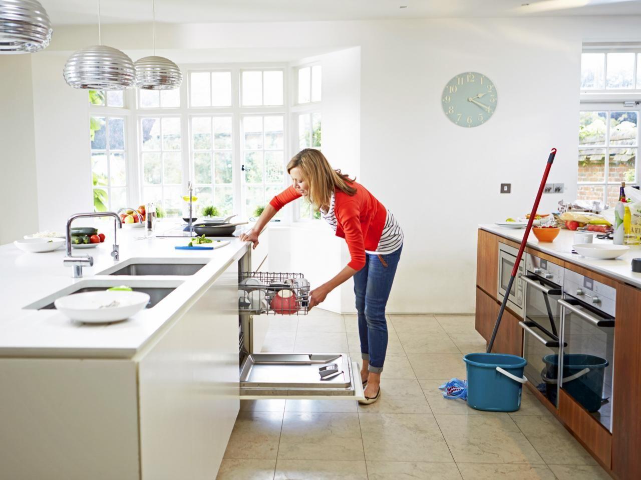 Maneras Incorrectas De Limpiar La Cocina Cosas Para El Hogar  ~ El Lavavajillas Deja Los Vasos Blanquecinos