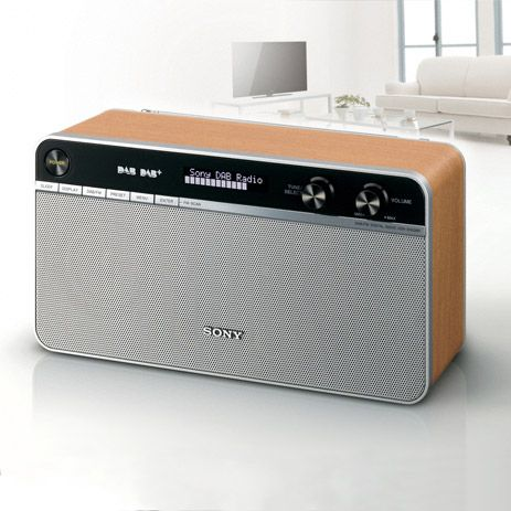 The Music Is Digital And Comes From The Internet All Presented In The Casing Of An Old Portable Radio C Sony ラジオ オーディオ 検索