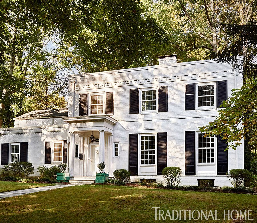 At Home In A Madcap Cottage In 2019 Exquisite Exteriors White