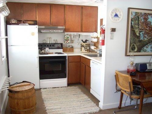 APT FULL KITCHEN | Maine vacation rentals, Home decor, Kitchen