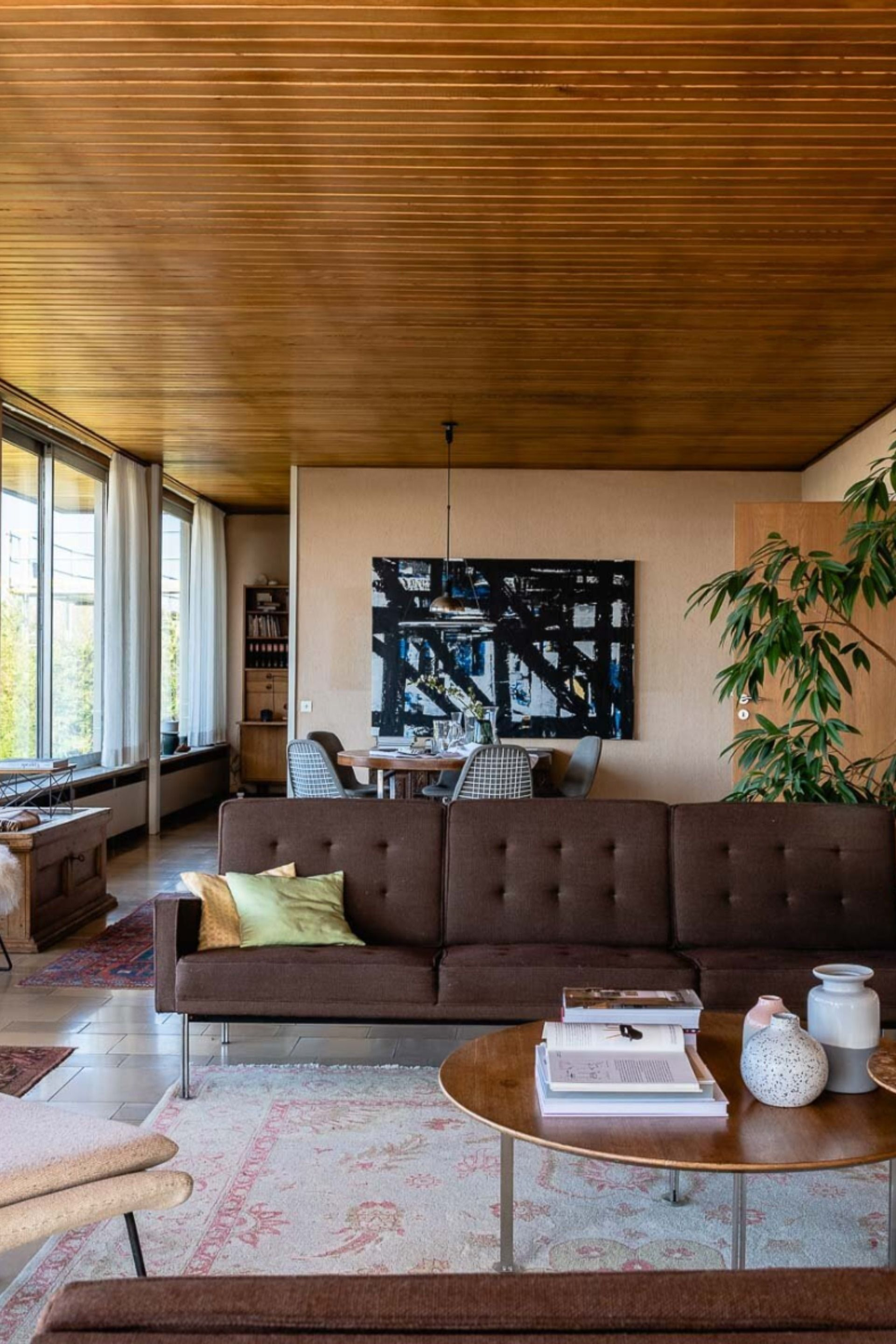 Post War Time Capsule By Jan And Waldemar Lippert Lists In Germany S Weinheim The Spaces In 2020 Bauhaus Interior German Interior Design Modern Interior Decor