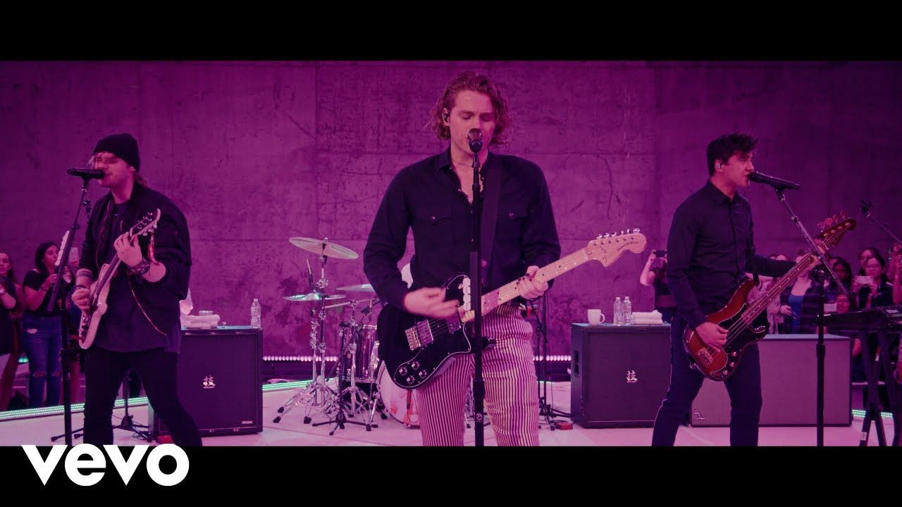 5 Seconds Of Summer Youngblood On The Record Young Blood Live